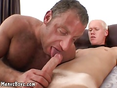 Twink and Daddy having oral fun